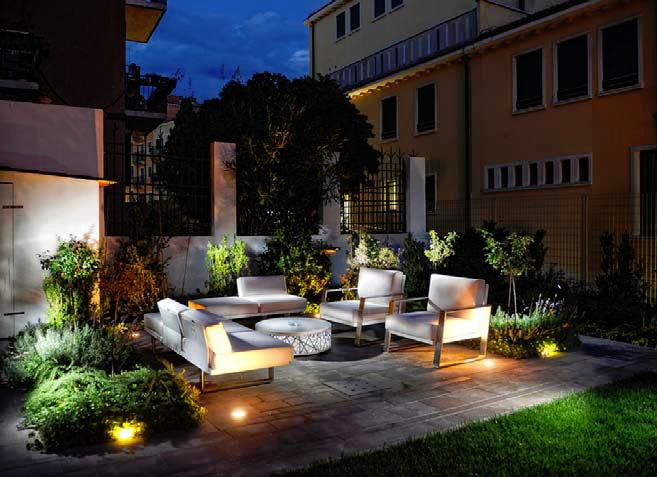 Come arredare il giardino for Arredo terrazzo attico